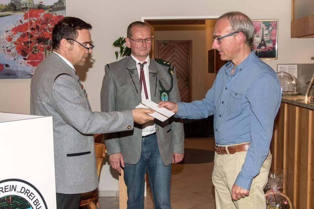 Wolfgang Kistler erhielt für insgesamt 21 Jahre in der Vorstandschaft eine Anerkennung.